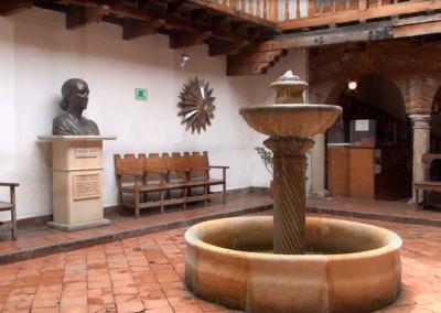 CASA DE MANUELA SAENZ Y MUSEO DE TRAJES REGIONALES DE COLOMBIA